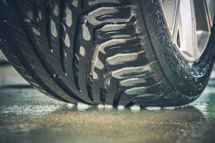 Tips to Avoid Hydroplaning