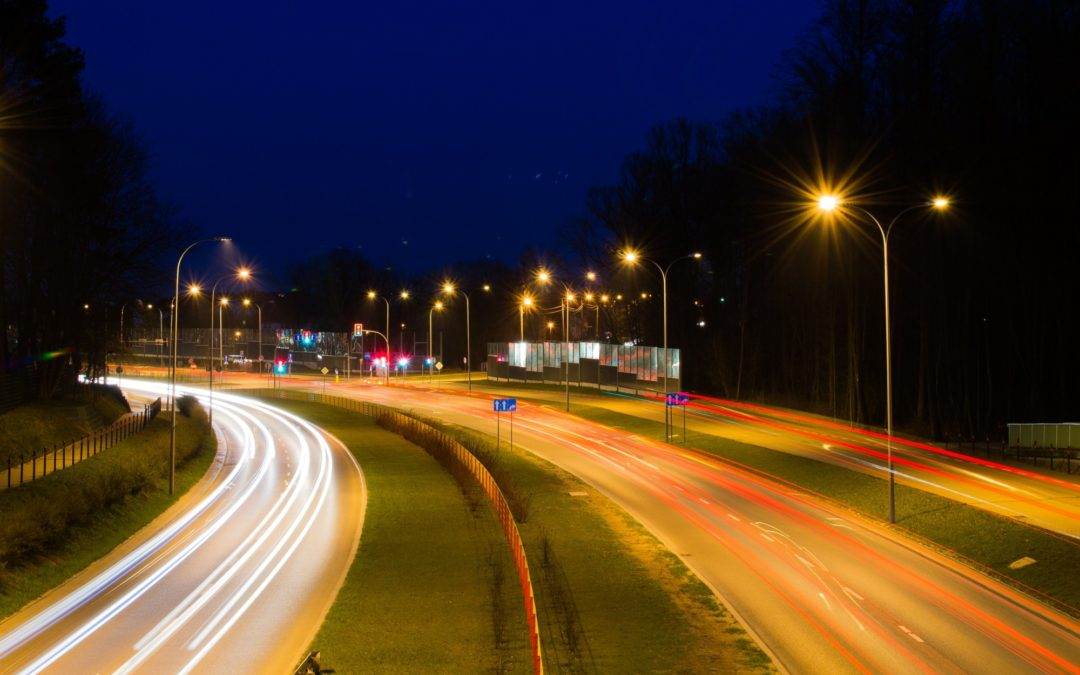 Using night driving glasses for reducing night driving dangers