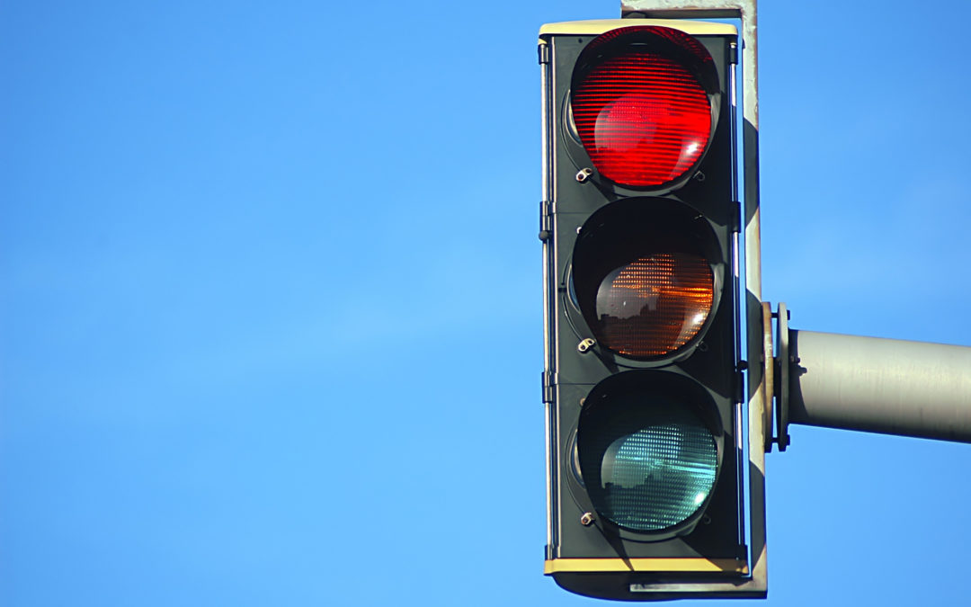 If you drive a vehicle in the U.S., you need to watch out for red light cameras.